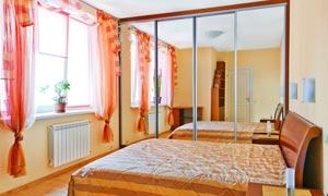 卧室窗帘与玻璃镜装饰摄影高清图片