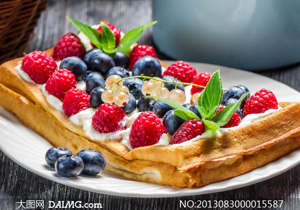 水果蛋糕美食摄影图片