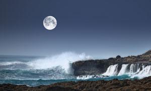 海边明月风景摄影图片