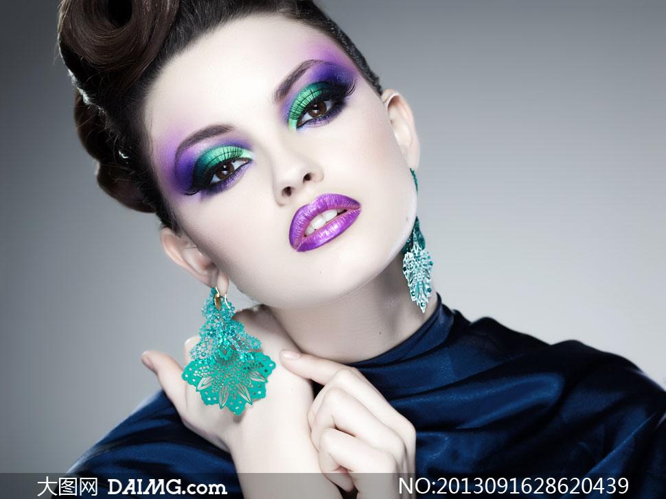 美女高清囹�a��9�k_浓重眼妆唇妆美女人物摄影高清图片