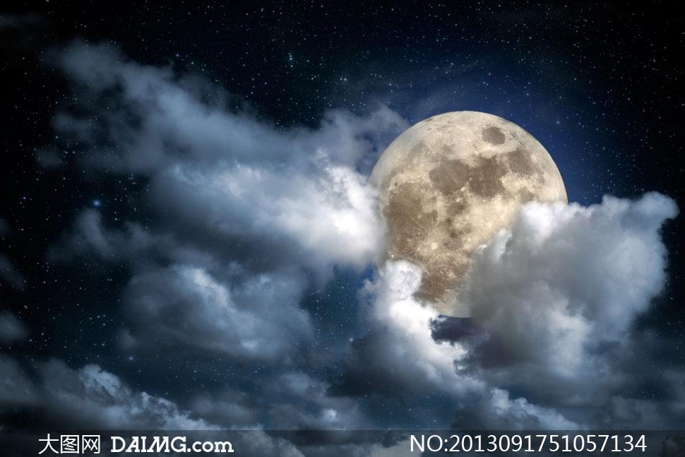 高清摄影大图图片素材月亮星空夜空星星白云