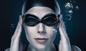 潜水吐泡泡的美女近景摄影高清图片