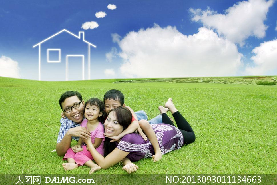 美女长发小男孩小女孩创意设计 草地 绿地草坪 蓝天白云
