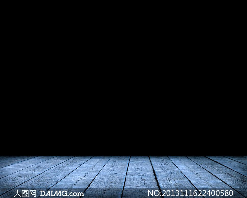 关键词: 高清摄影大图图片素材背景空间场景黑色蓝色木地板地面