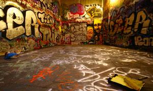 空间感墙壁上的涂鸦画摄影高清图片