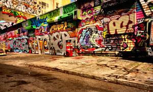 街边店门上的涂鸦绘画摄影高清图片