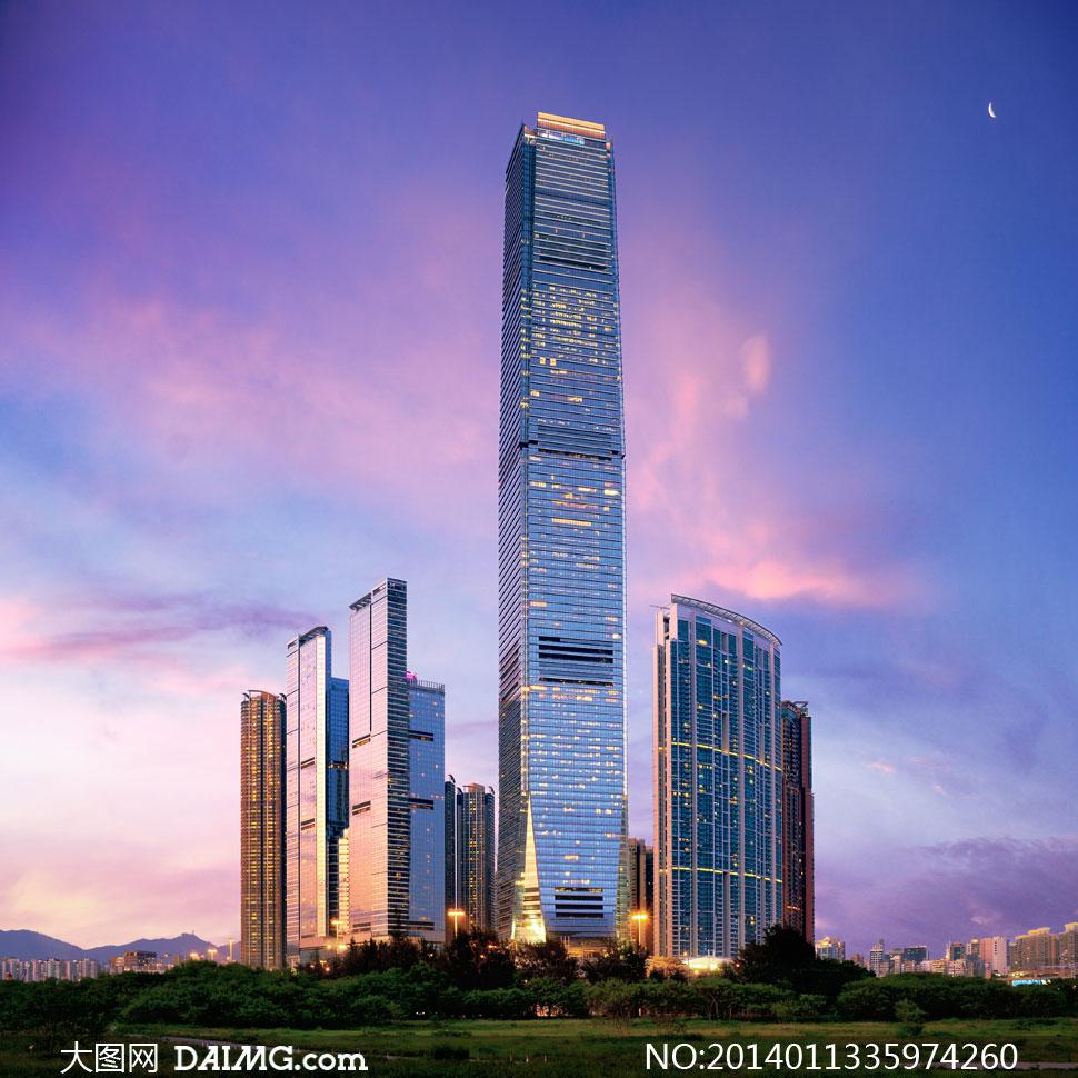 城市高层建筑物与绿化摄影高清图片