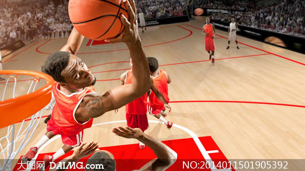 上篮的篮球运动员特写摄影高清图片