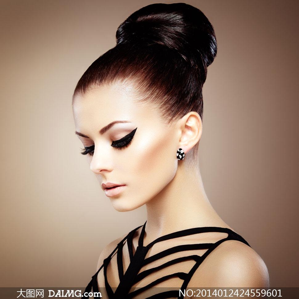 黑色的镂空装盘发美女摄影高清图片