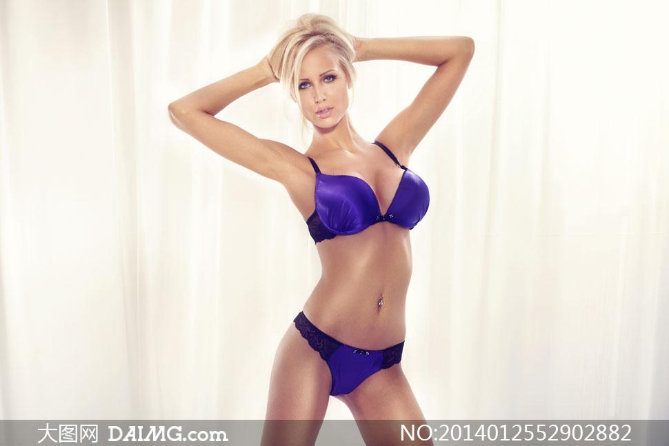 穿紫色内衣的性感美女摄影高清图片