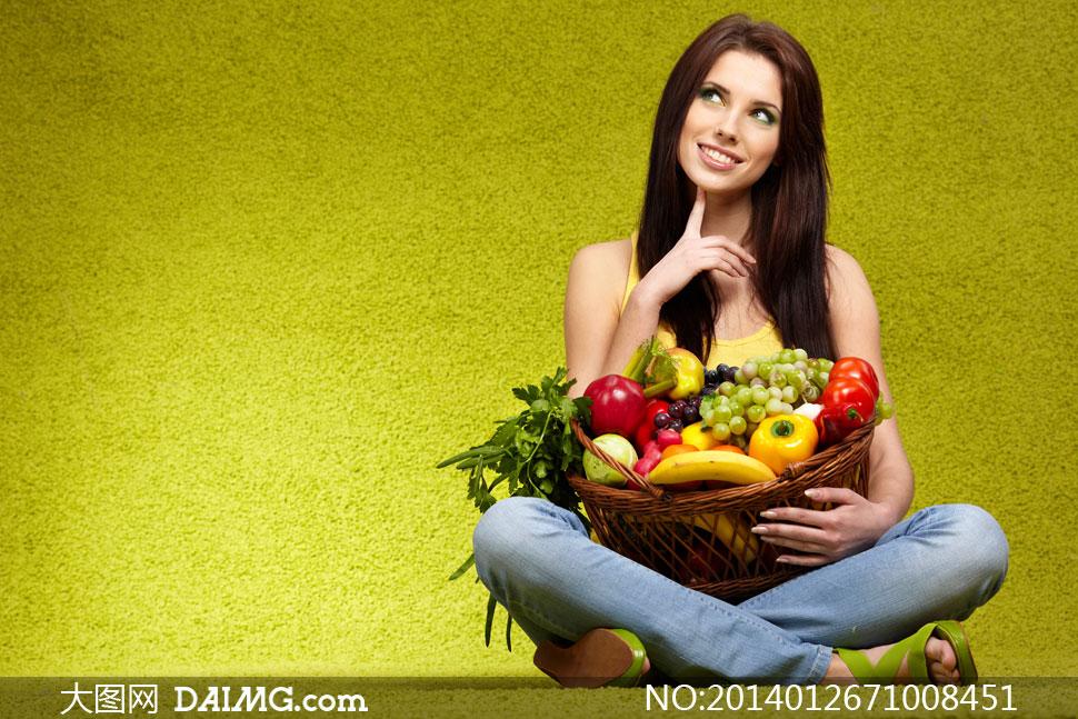 抱着蔬菜美女exomv3狼版美女与剧情篮的高清v蔬菜图片水果图片