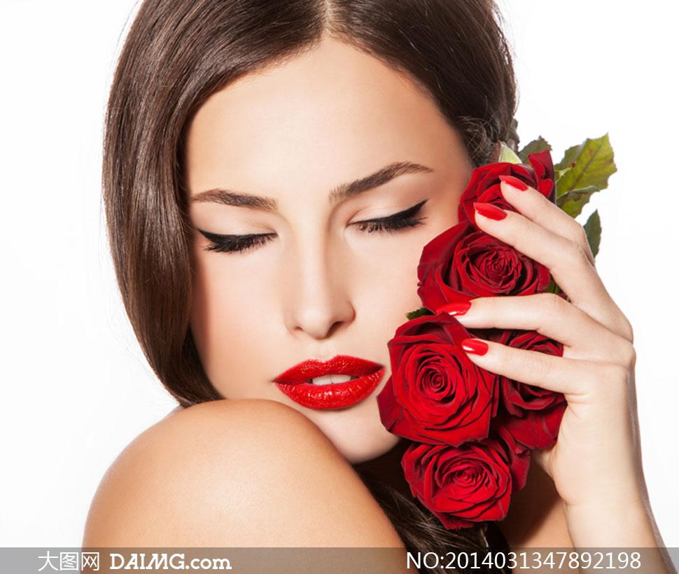 美女女人女性玫瑰花红玫瑰唇妆红唇露肩裸肩闭眼闭