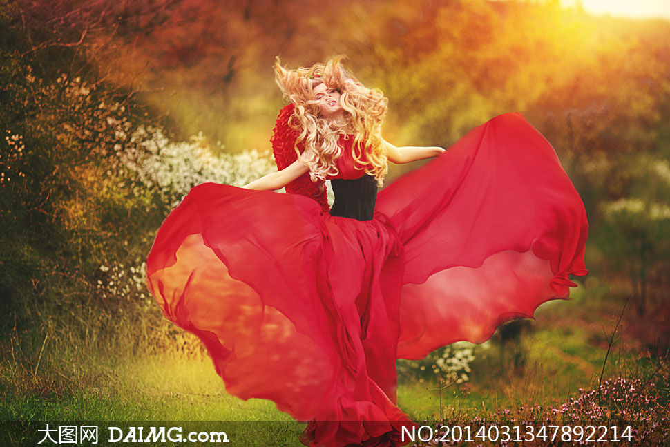 花草裙子美女胸最新大台湾与红美女高清v花草图片树木