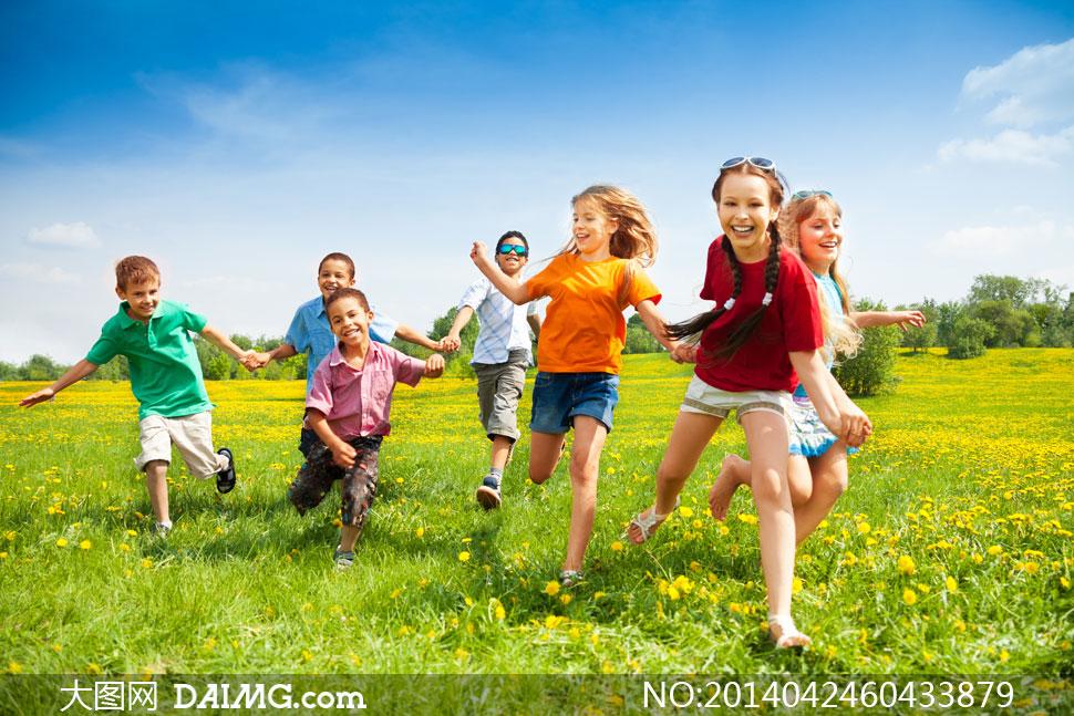 外出郊游的小朋友人物摄影高清图片