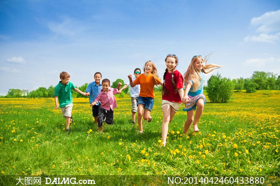 高清图片 美女图片 > 素材信息          享受快乐时光的小朋友摄影高