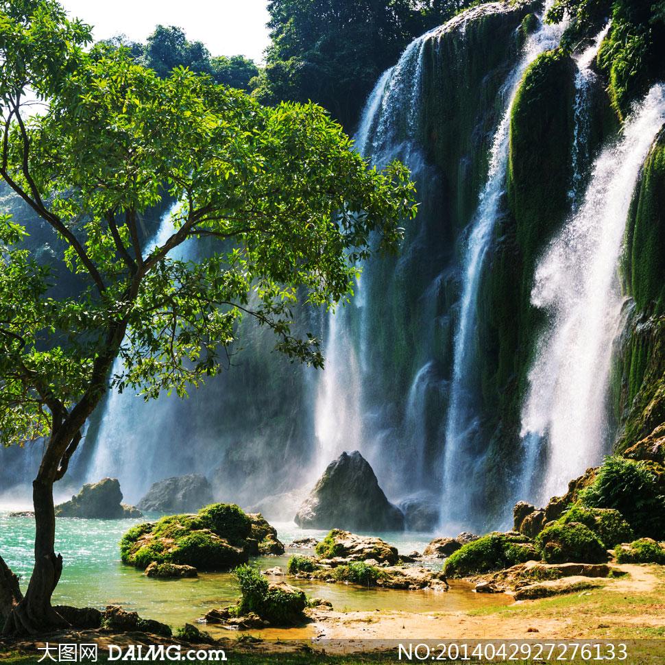 下载 关键词: 高清摄影大图图片素材自然风景风光石头岩石瀑布树木