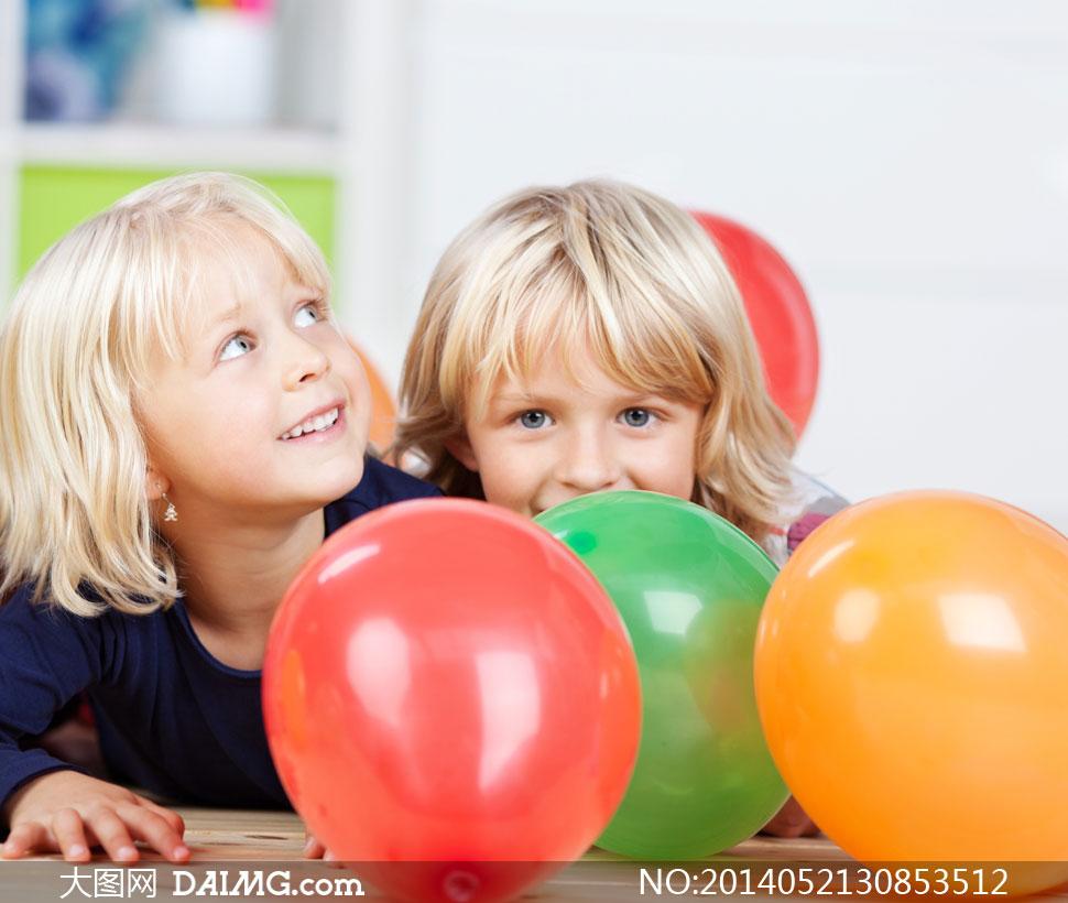 图片素材人物儿童小孩小朋友小女孩开心笑容童趣气球