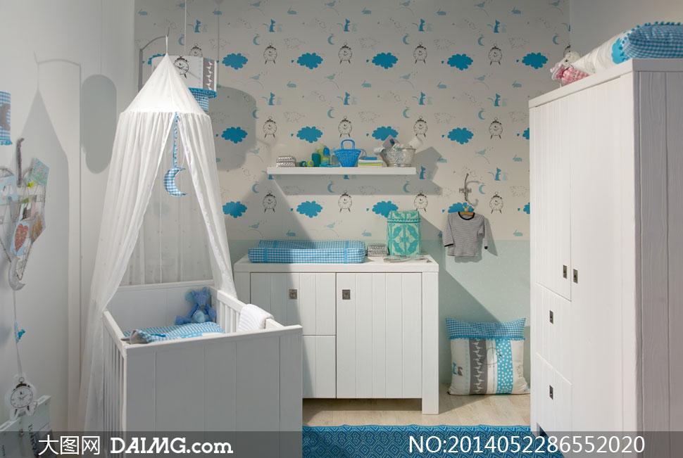 陈设摆设陈列内景房间儿童房婴儿床枕头衣服衣柜吊灯墙纸床幔幔帐家具