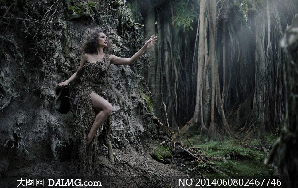 美女写真女性女人模特秀发长发黑发长腿美腿树木大树