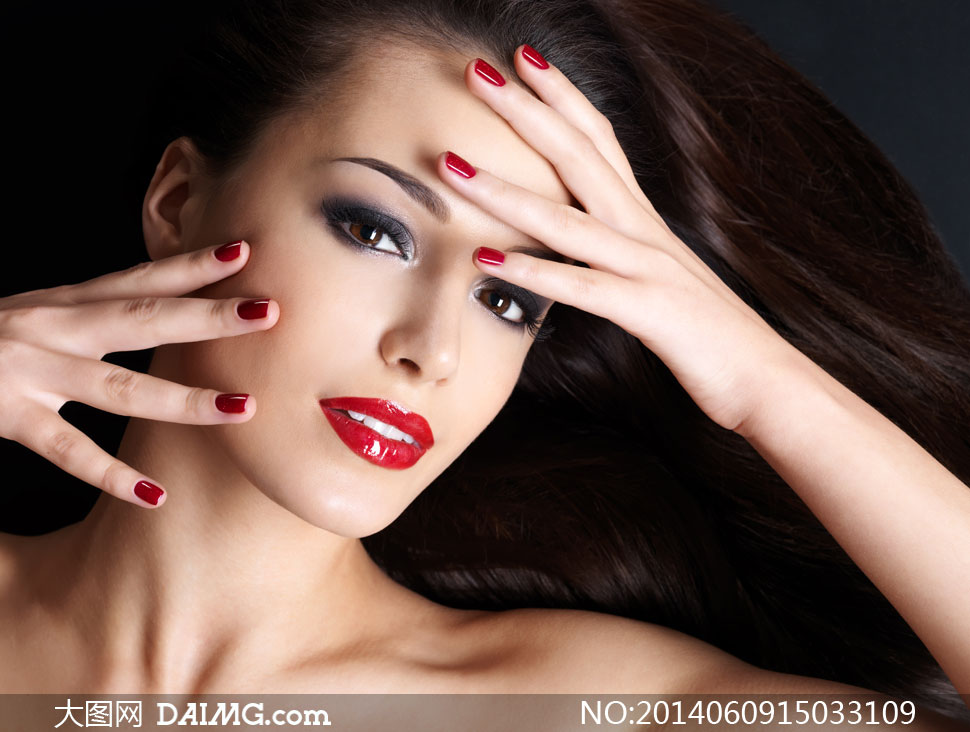 浓妆装扮美女人物特写摄影高清图片
