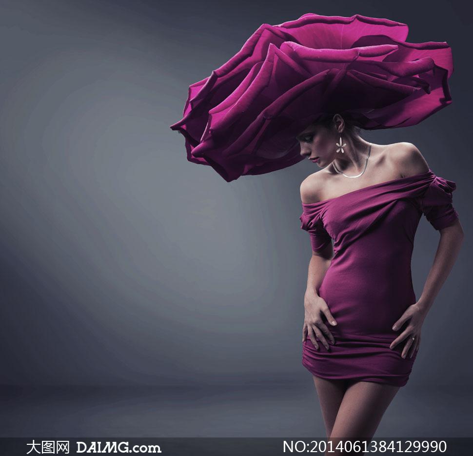 花瓣头饰抹胸短裙美女创意高清图片