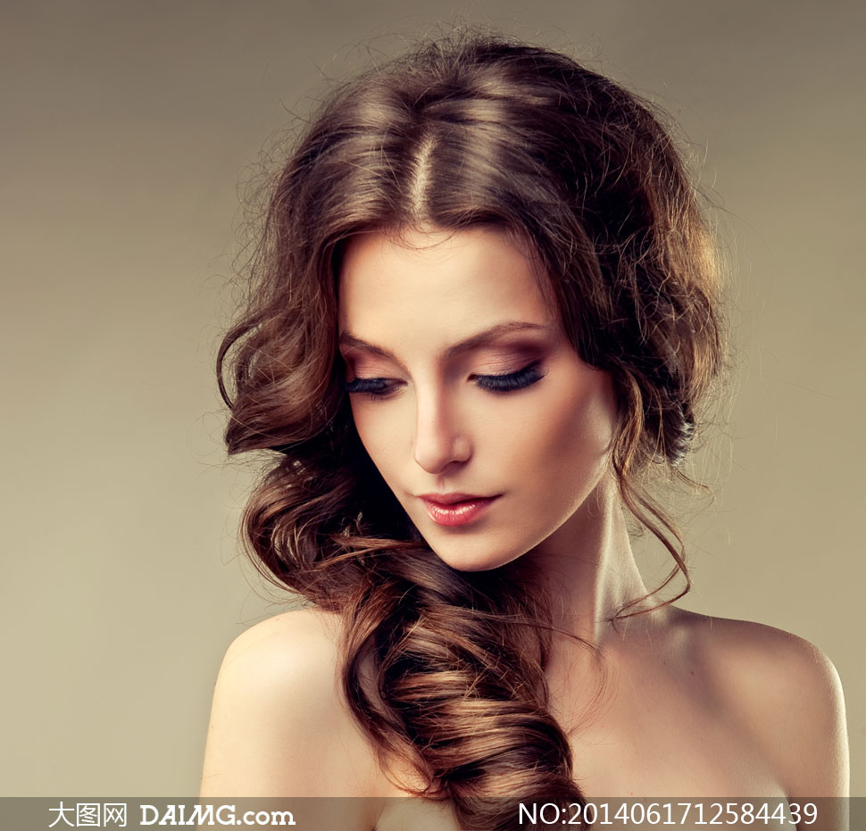 近景摄影高清图片下载 关键词: 高清摄影大图图片素材人物美女写真
