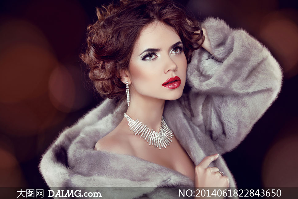 身图片大衣美女的美女v图片裘皮穿着高清涵江图片