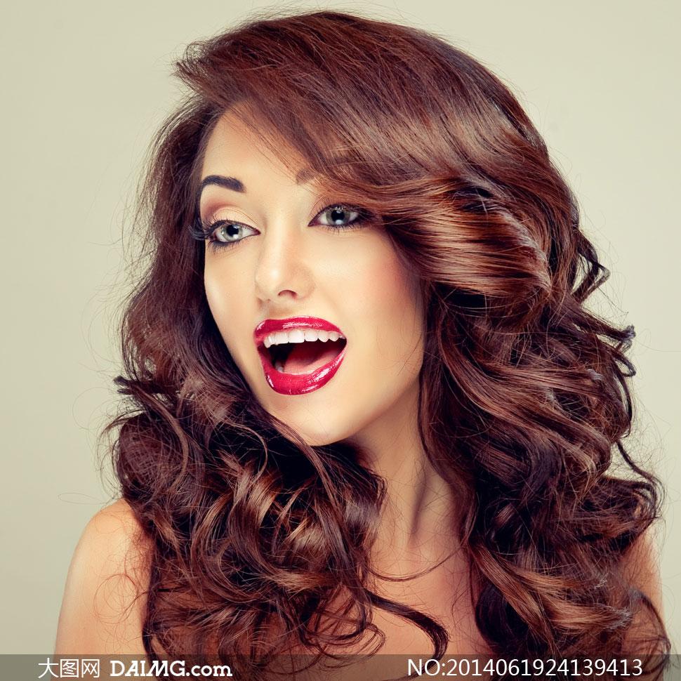 素材人物美女写真女性女人模特秀发卷发长发唇妆红唇眼妆妆容美妆张嘴