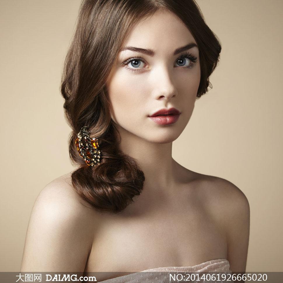 美女写真女性女人模特秀发长发盘发盘头中分露肩裸肩