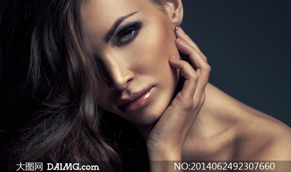 露肩眼妆美女模特人物摄影高清图片 - 大图网设计素材