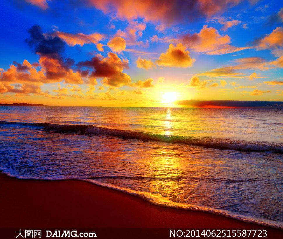 早晨海面上升起的太阳摄影高清图片