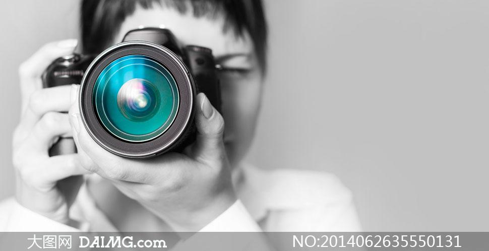 关键词: 高清摄影大图图片素材人物炫丽镜头照相机拍照摄影师黑白微距