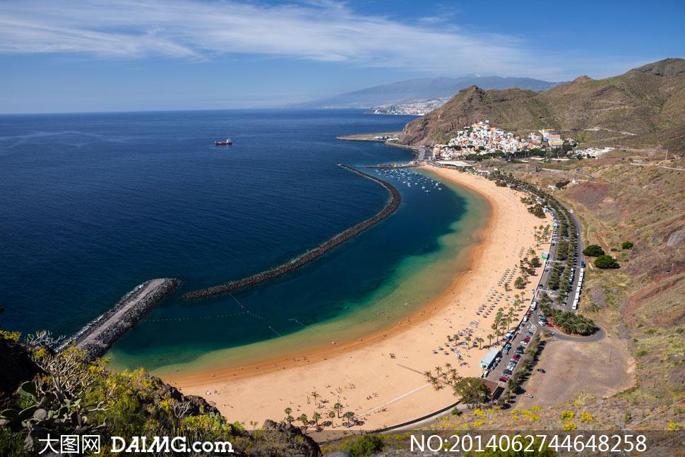 海滩旅游景点鸟瞰风光摄影高清图片