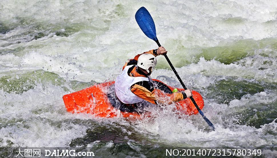 男子中划皮划艇的激流v男子图片高清空手道和跆拳道和a男子搏击的图片