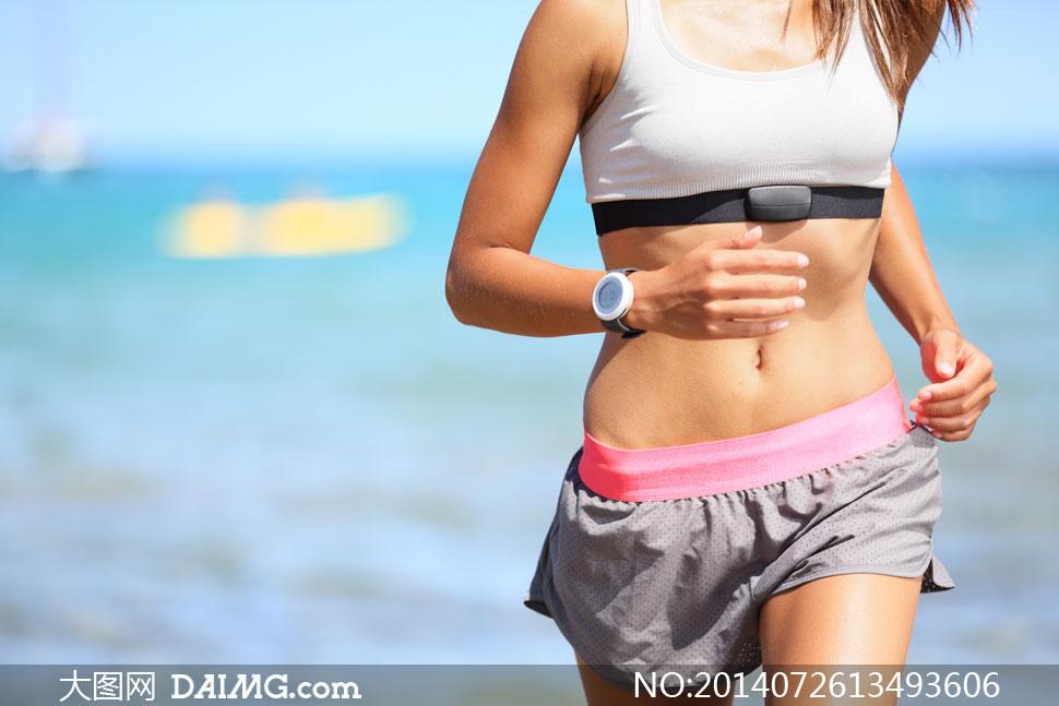 跑步美女人物局部特写摄影高清图片