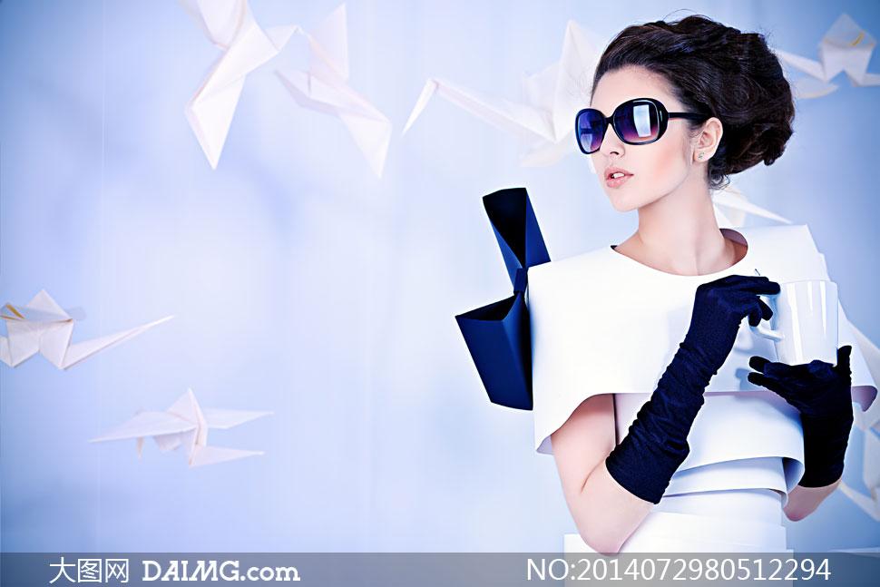 创意服装造型模特人物摄影高清图片图片