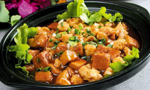 鸡米豆腐煲美食摄影图片