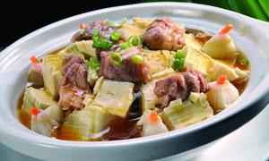 白菜豆腐煲美食摄影图片