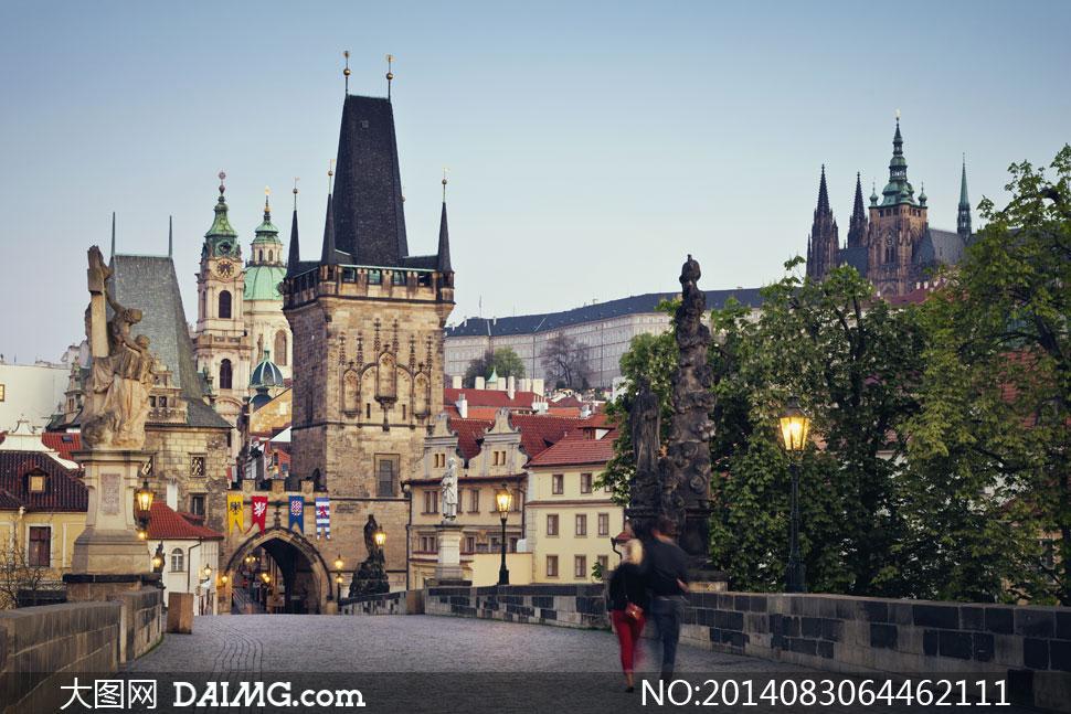 风景建筑物捷克布拉格树木大树路灯桥面拱形门拱门雕塑塑像雕像哥特
