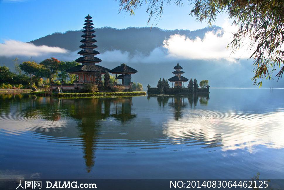 巴厘岛水神庙旖旎风光摄影高清图片