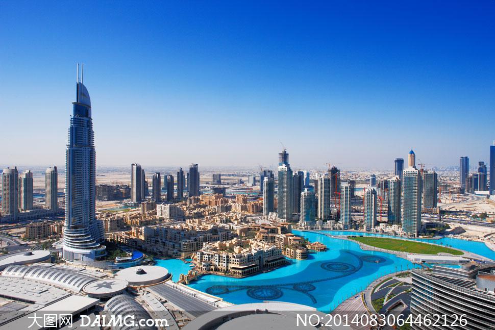 迪拜塔高清大图下载_蔚蓝天空与迪拜建筑物摄影高清图片 - 大图网素材daimg.com