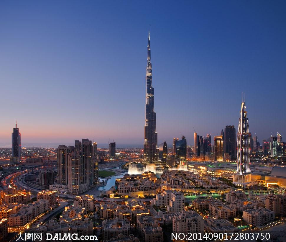 迪拜繁华城市鸟瞰夜景摄影高清图片