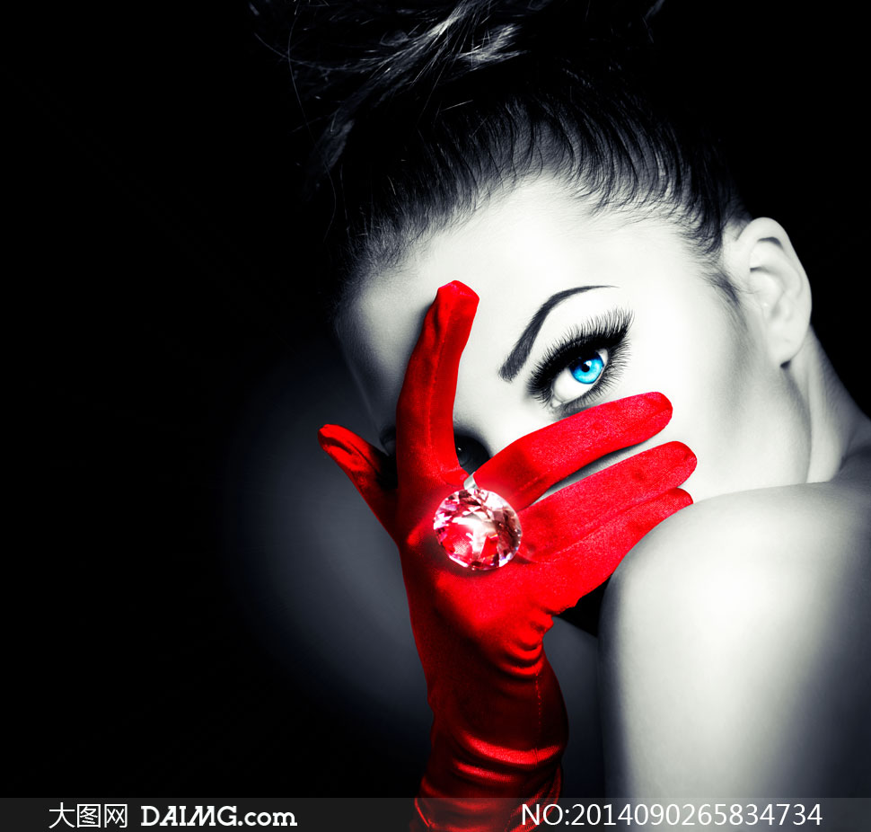 黑白红_戴着红手套的美女黑白摄影高清图片_大图网图片素材