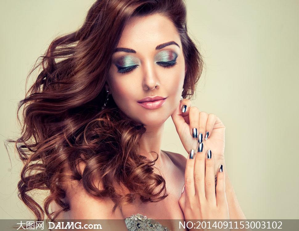 妆容美甲美女人物特写摄影高清图片
