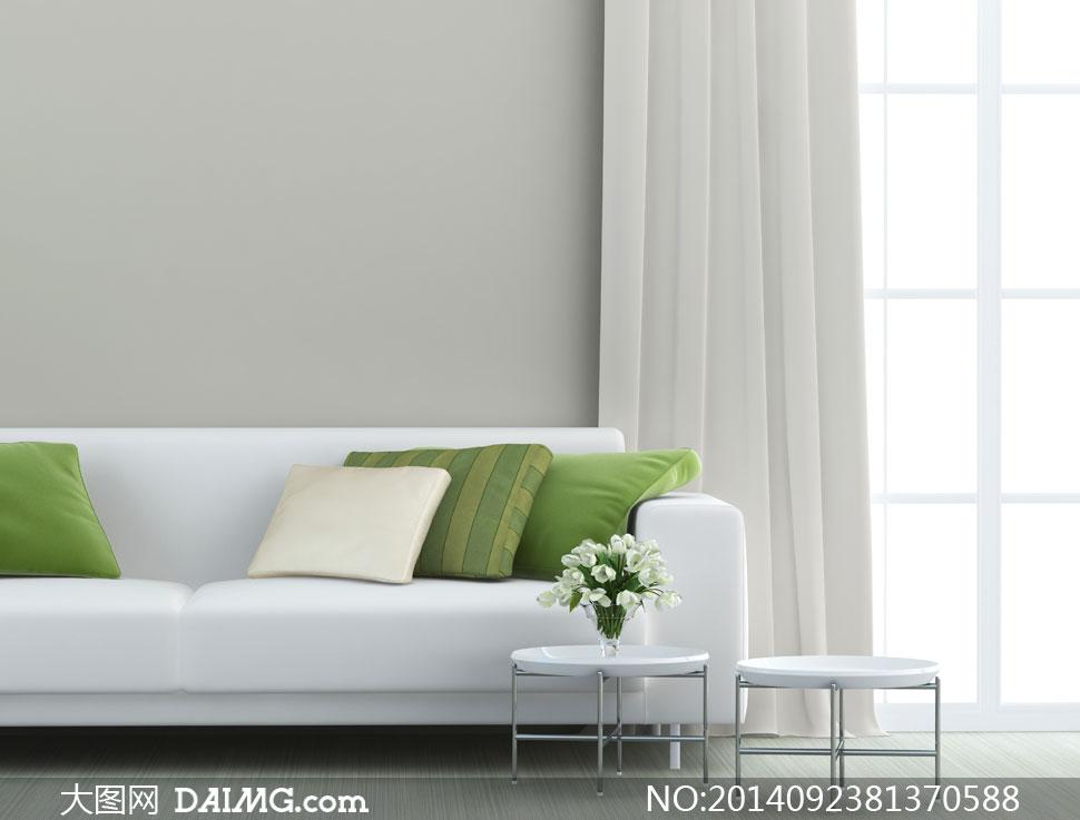 落地窗与沙发枕头花瓶摄影高清图片