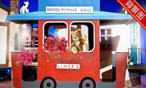 鲜花点缀的四轮车影楼摄影背景图片