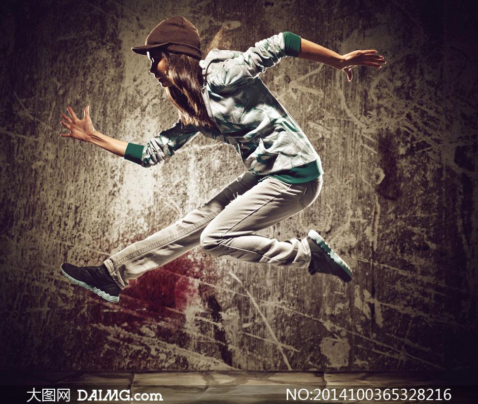 跃起街舞美女人物瞬间摄影高清图片