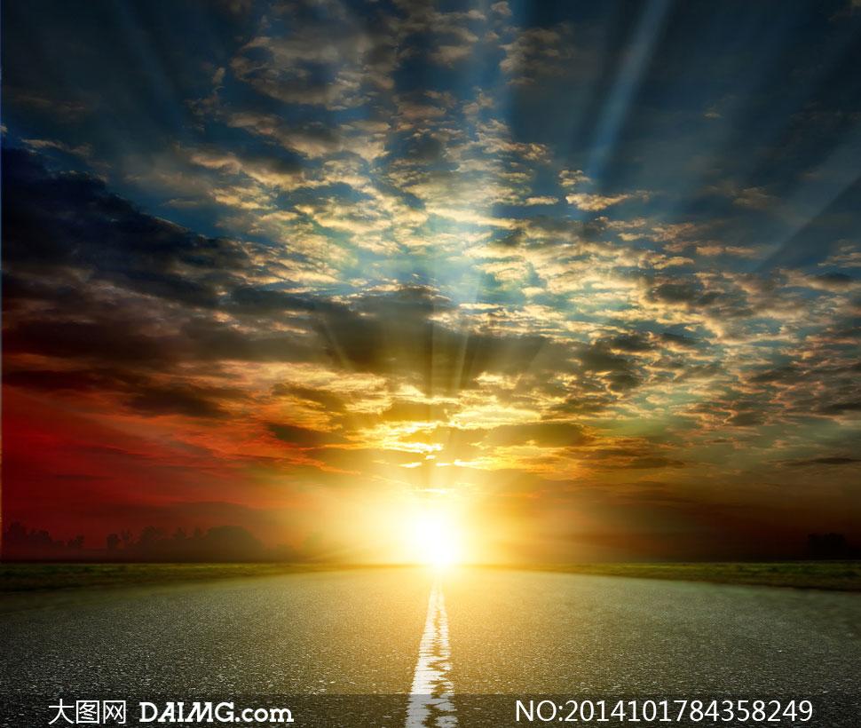 道路尽头耀眼阳光风光摄影高清图片图片