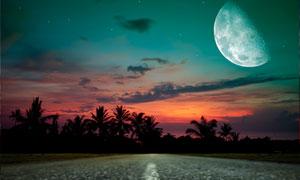 星空月亮云彩與公路等攝影高清圖片