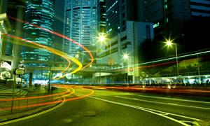 城市大楼与岔路口夜景摄影高清图片